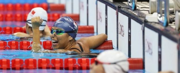 Singapore's Yip Pin Xiu takes gold in the 100m backstroke (9 Sept 2016)