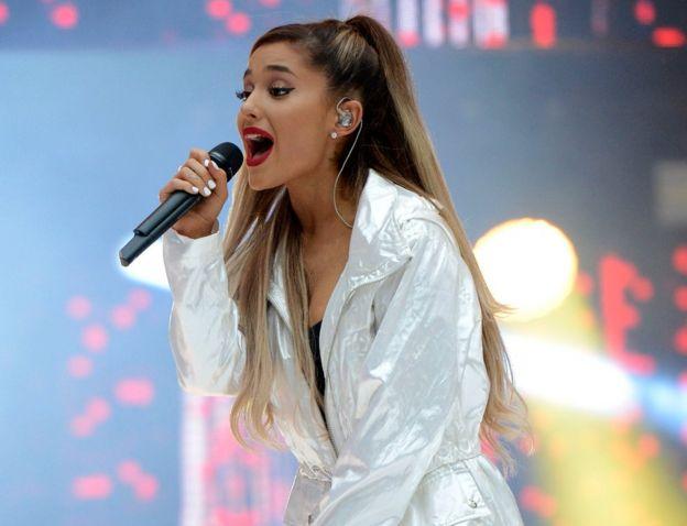 Ariana Grande en un concierto de 2016.
