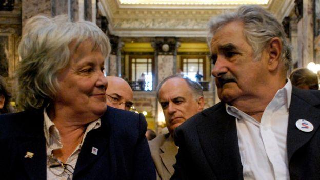 """Lucía Topolansky y José """"Pepe"""" Mujica"""