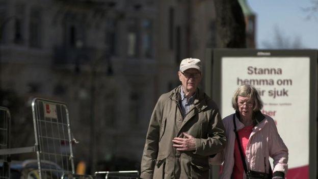 Casal de idosos em Estocolmo