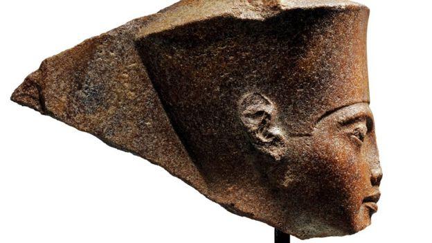 Tutankhamun büstü.