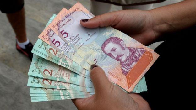 Bancos del país mantienen racionamiento de efectivo pese a nuevo cono monetario