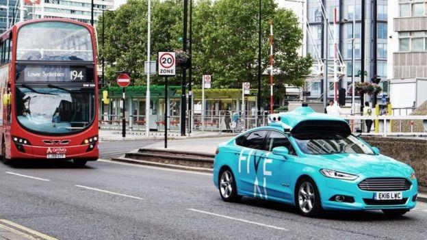 """تختبر شركة """"فايف أيه أي"""" في الوقت الراهن سياراتها في الطرق المزدحمة جنوبي لندن"""