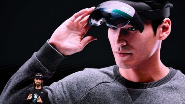 Microsoft HoloLens 2 augmented reality headset unveiled
