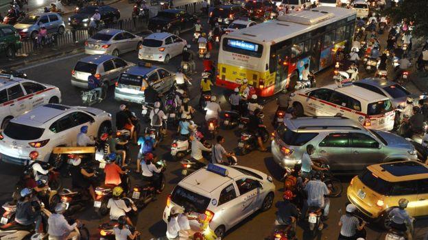 'Lái xe hung hăng' kiểu Việt Nam