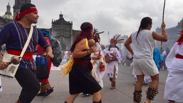 لا يزال بعض المكسيكيين يحتفلون بتأسيس عاصمة الآزتيك القديمة تينوتشتيتلان بعد مرور نحو 700 عام على تأسيسها