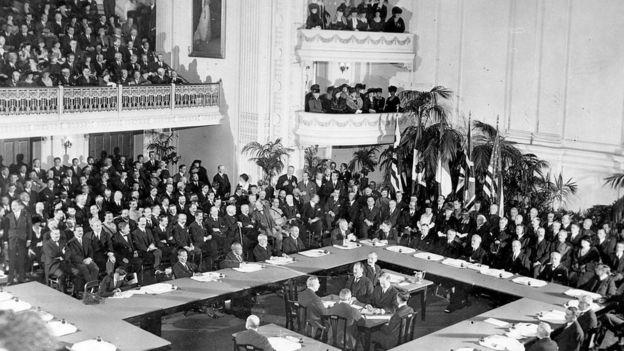 1919年1月在凡尔赛宫举行的巴黎和会
