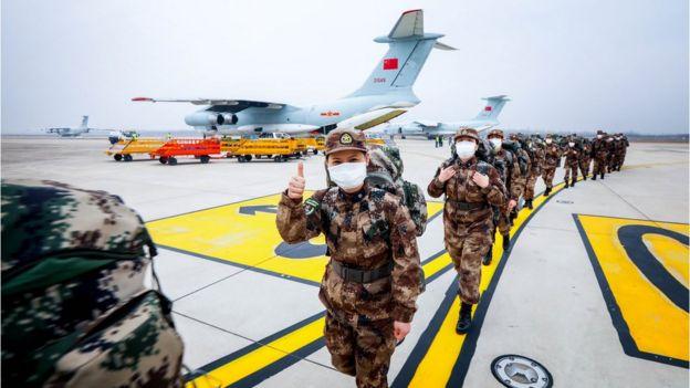 中國解放軍將從全軍各醫療單位調派1400名醫護人員進駐火神山醫院