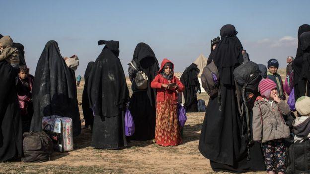 غیرنظامیان سوری که از سرزمینهای تحت کنترل داعش گریختهاند