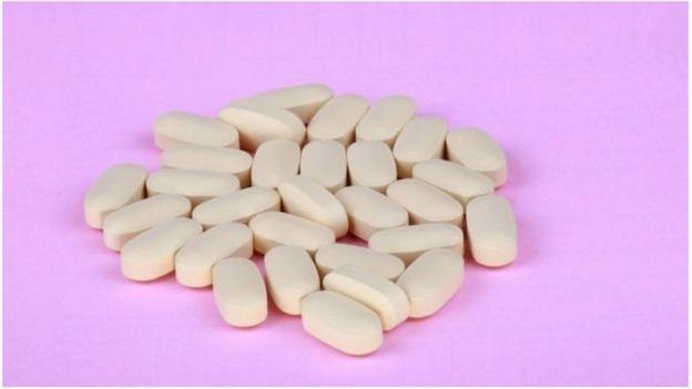 Le patient a cessé de prendre des médicaments antirétroviraux pour contrôler son VIH.