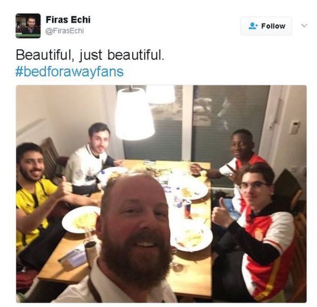 Tweet: Text Beautiful, just beautiful, with picture of Monaco and Borussia Dortmund fans eating together at a dining room table