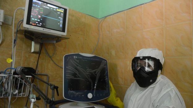 Ruang isolasi untuk pasien infeksi virus corona di Banda Aceh.