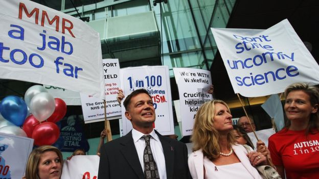 Andrew Wakefield with his supporters in 2007