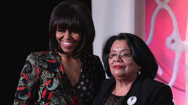 Michelle Obama y Julieta Castellanos.