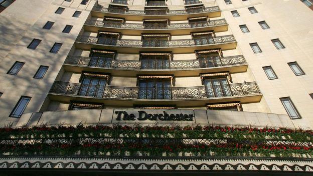Fachada del hotel Dorchester Hotel en Londres.