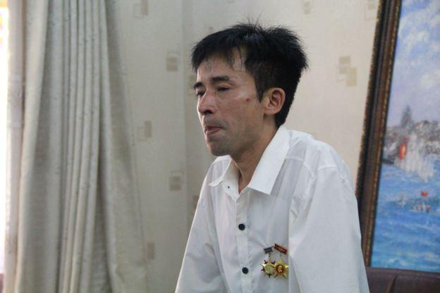 Cựu binh Lê Hữu Thảo - trưởng ban liên lạc các cựu binh Gạc Ma xúc động kể về trận chiến