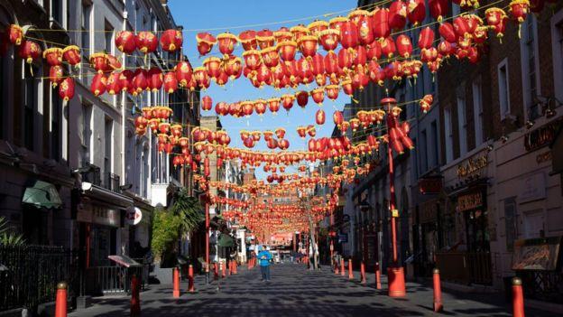 Khu China Town ở London cũng vắng tanh