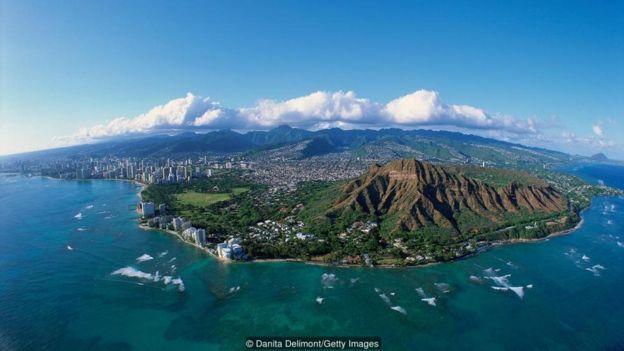 Havayda 'Aloha' sözü salamlaşmaqdan daha çox məna kəsb edir - o, qaydaya çevrilib