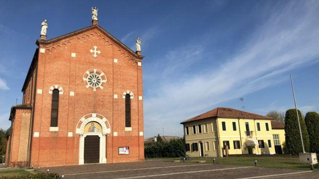 Igreja e paróquia de Anguillara
