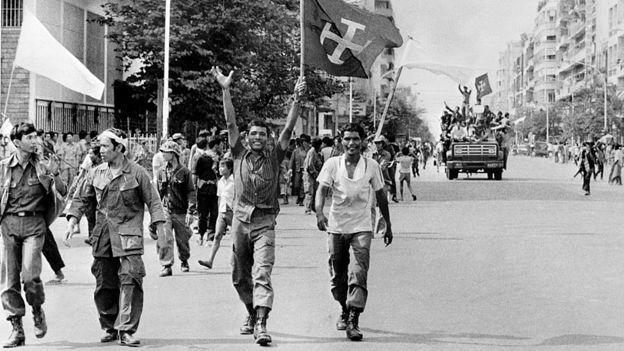 Jemeres rojos entrando en Phnom Penh