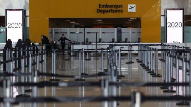 Aeroporto de Guarulhos vazio