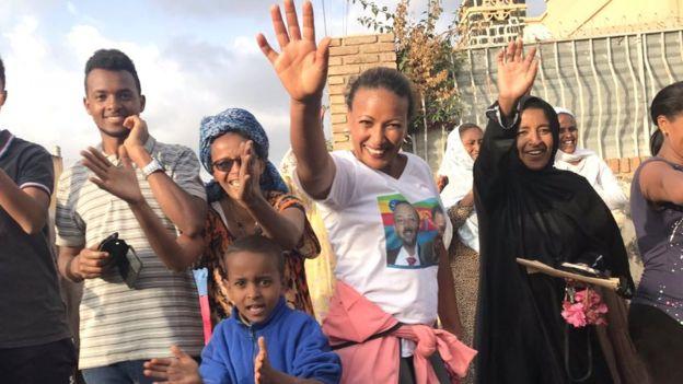 Shacabka reer Eritrea waxay soo dhaweeyeen boqashadii Abiy Axmed uu ku tagey dalkooda