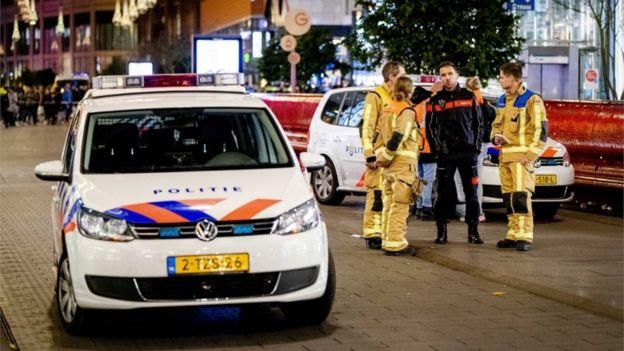 Policía en La Haya.