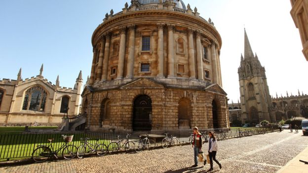 Oxbridge 'over-recruits from eight schools' - BBC News