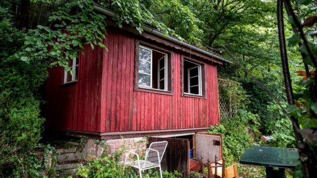 A cabana de Yves Rausch perto de Oppenau, no sudoeste da Alemanha