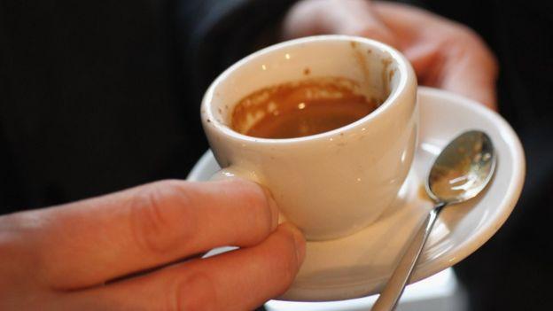 Loại cà phê espresso được người Paris ưa dùng vào buổi sáng trước khi đi làm.