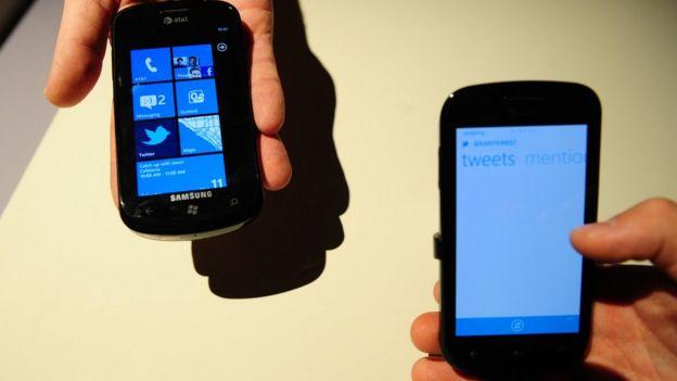 Imagen de varios Windows Phone y sus aplicaciones