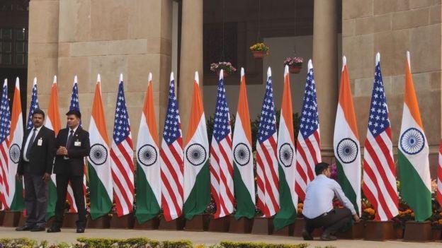 美国和印度国旗