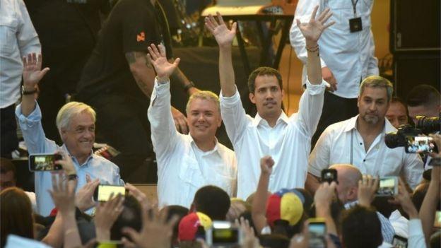او ماه پیش با عبور از مرز با رهبران شیلی، کلمبیا و پاراگوئه دیدار کرد