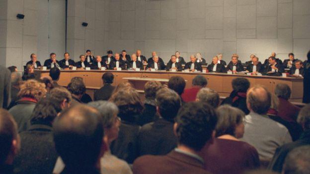 法国共和国司法法院开庭审理血制品污染过失杀人案(8/2/1999)