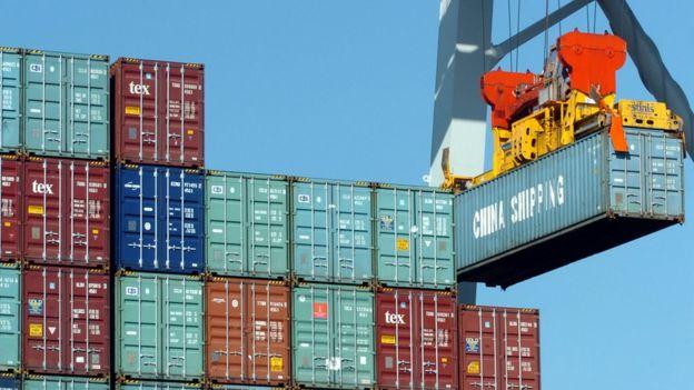 虽然美国在香港主权移交后视它为中国一部份,香港多来都获美国贸易上给予优惠待遇,与中国大陆不同。
