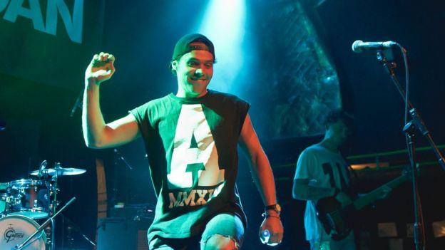 Andy Jordan sobre el escenario