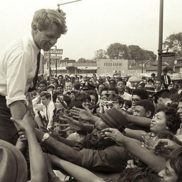 Robert Kennedy faz campanha em Detroit