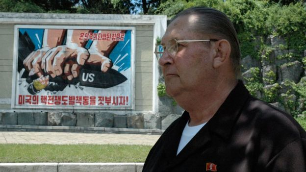 Foto tomada en mayo de 2005 y distribuida en agosto de 2017, muesta a James Joseph Dresnok, un desertor de EE.UU. a Corea del Norte