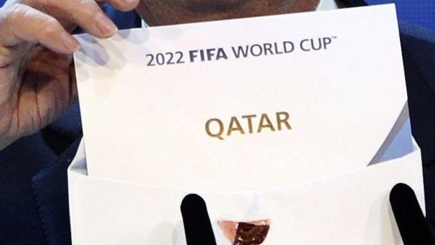 Cartão mostra o Catar como país-sede da Copa de 2022