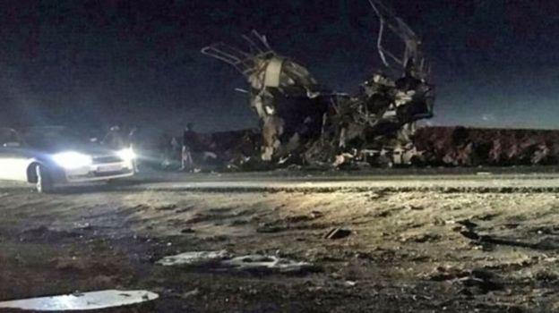 حمله انتحاری به اتوبوس مرزبانان سپاه ۲۷ کشته داد