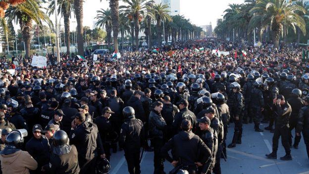 صورة ارشيفية لمظاهرات في تونس