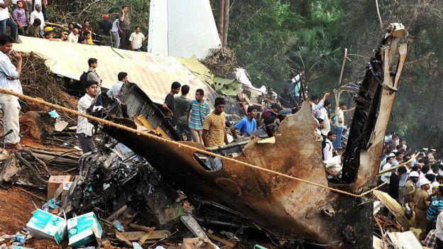 Imágenes del accidente de avión en 2010.
