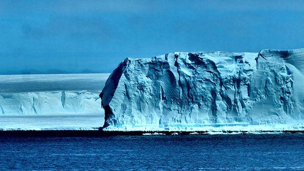 Ice shelf