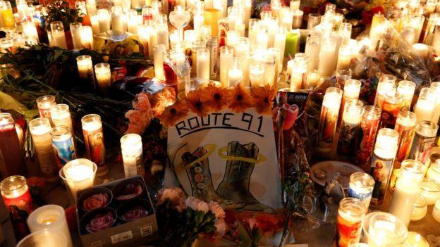 Vigília em homenagem às vítimas de Las Vegas