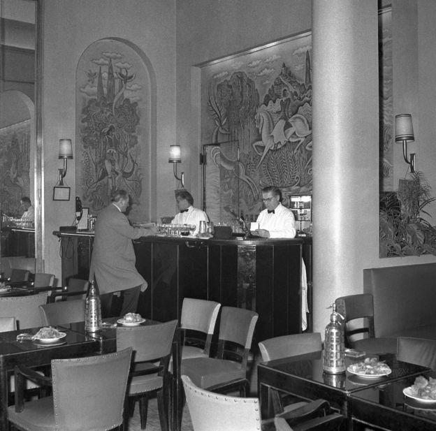 تصویری از بار هتل ریتز در سال ۱۹۶۰