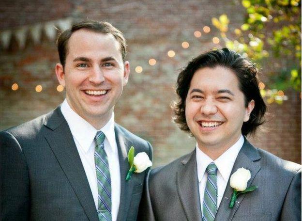 Cody y Alex, de 34 y 35 años, trabajan en el Teatro del Lincoln Center en Nueva York.
