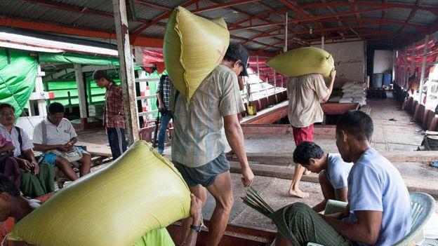 Việt Nam sẽ gặp khó khăn trong việc cung cấp công nhân có trình độ kỹ thuật cao cho các công ty công nghệ.