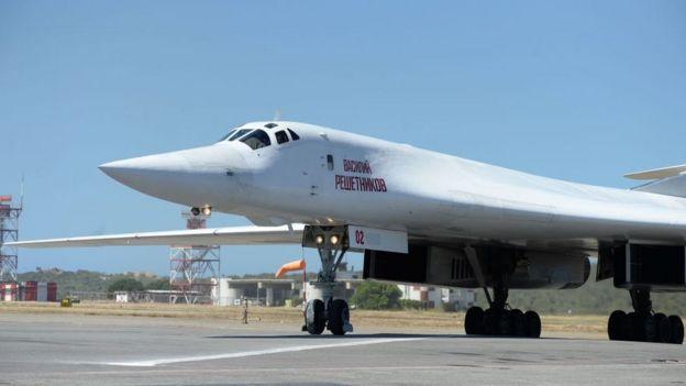 En diciembre, Rusia envío dos cazabombarderos Tupolev 160 a Venezuela.