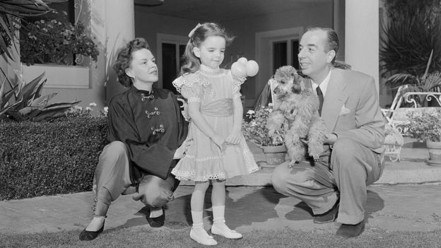 La cantante junto a su marido, el director Vincente Minnelli, y su hija, Liza Minnelli.