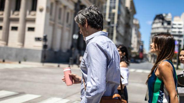 Personas en Buenos Aires